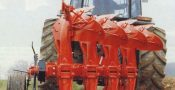 traktor bajak singkal